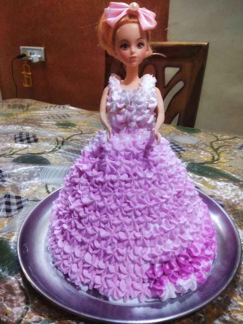 doll-cake.jpg