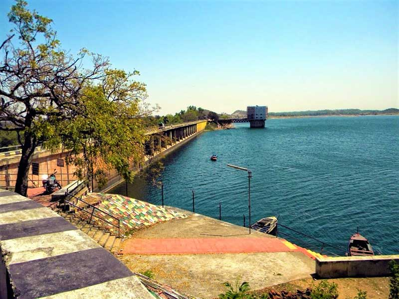 jhumri-lake