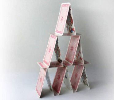 Playingcard_pyramid-