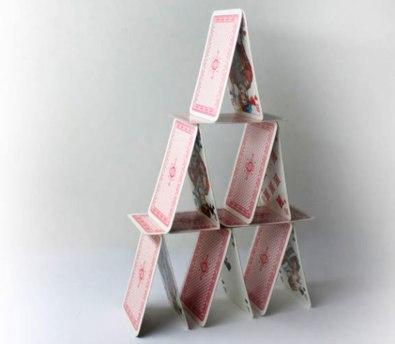 Playingcard_pyramid-