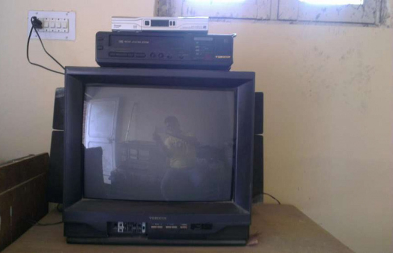 videocon_tv_with_speaker_and_vcr_and_dish_tv_box_2562290